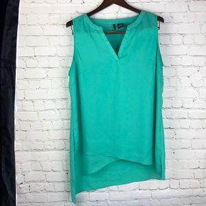 XL- New Direction sharkbite Aqua sleeveless blouse